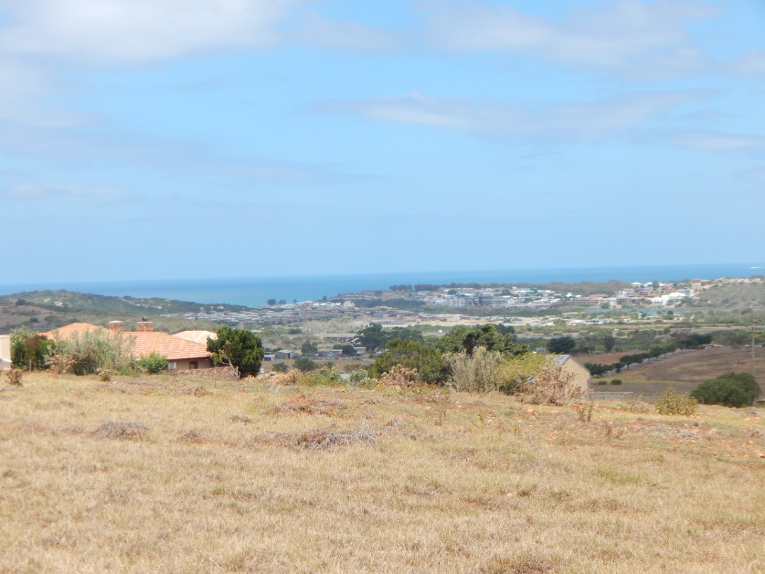 Vacant land for sale in Outeniquasbosch in Hartenbos