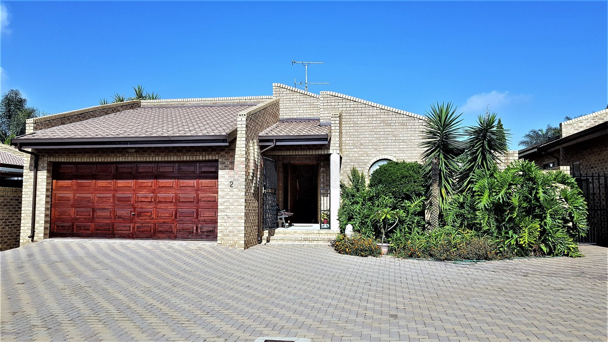 3 BedroomHouse For Sale In Meyersdal