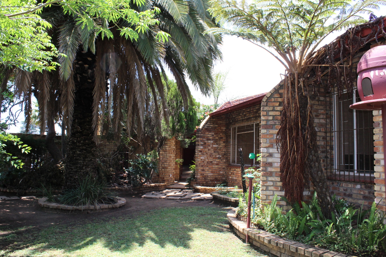 3 BedroomHouse For Sale In Hamberg
