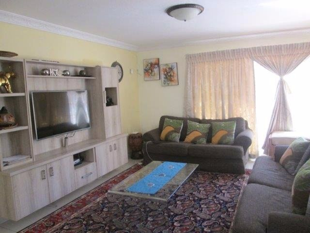 3 Bedroom Townhouse for sale in Bassonia ENT0072709 : photo#1