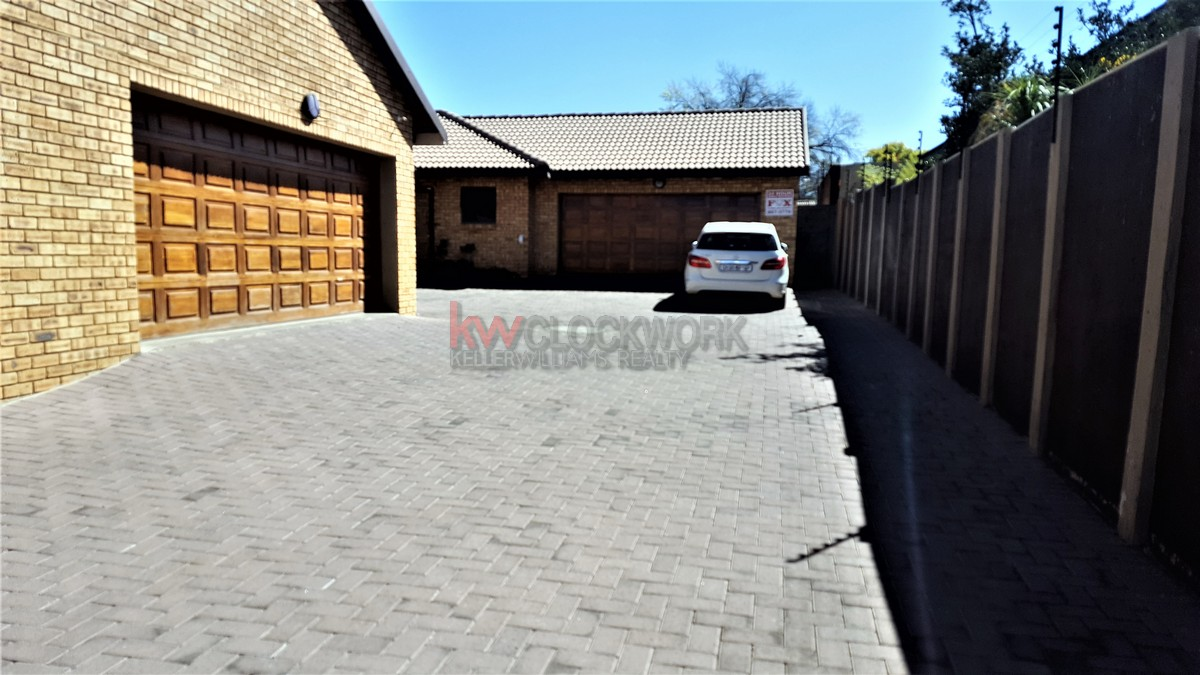 3 Bedroom Townhouse for sale in New Redruth ENT0055405 : photo#8
