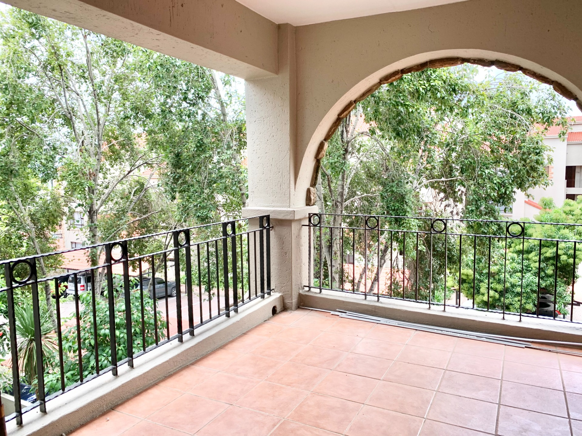 3 Bedroom Apartment for Sale in Lonehill