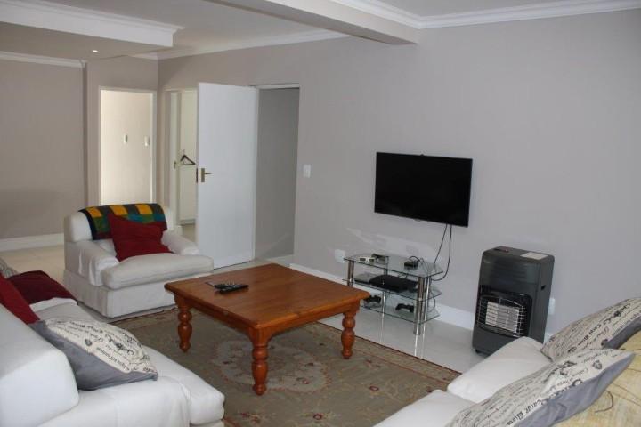4 Bedroom House for sale in Helderberg Estate ENT0005942 : photo#15