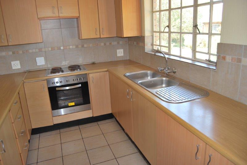 2 Bedroom Townhouse pending sale in Clubview ENT0067689 : photo#6