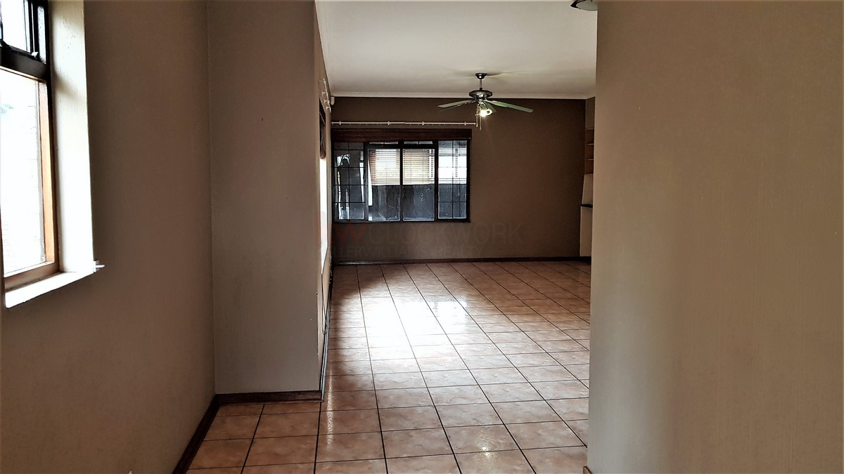 3 Bedroom House for sale in South Crest ENT0086991 : photo#8