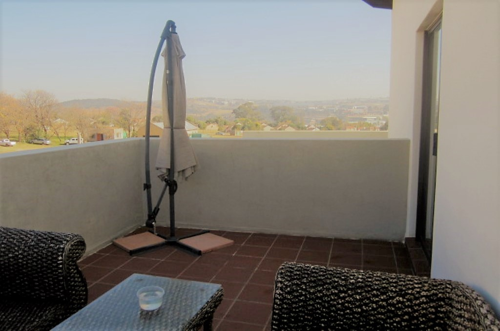 3 Bedroom Townhouse for sale in Sunninghill ENT0032458 : photo#10