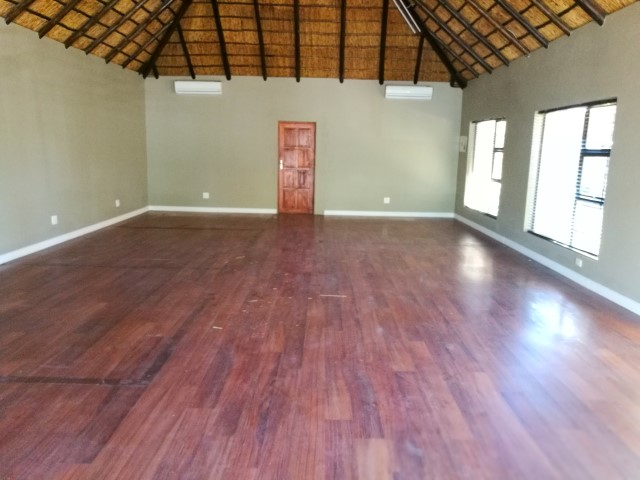Premises in Hole in One Rd for Surgery,Dance studio etc