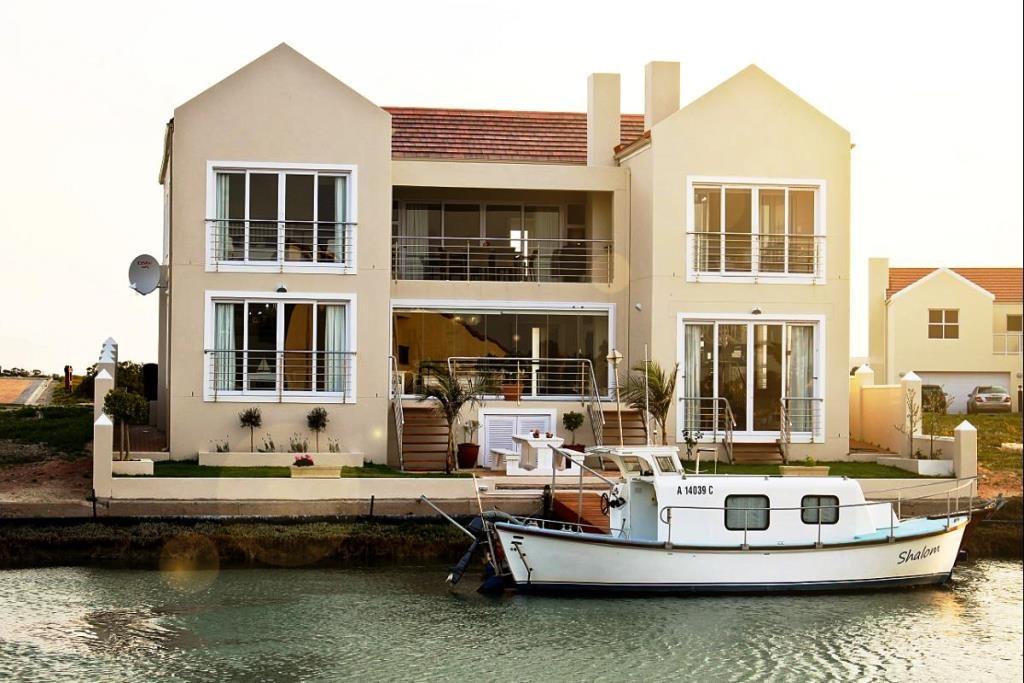 4 BedroomHouse For Sale In Port Owen