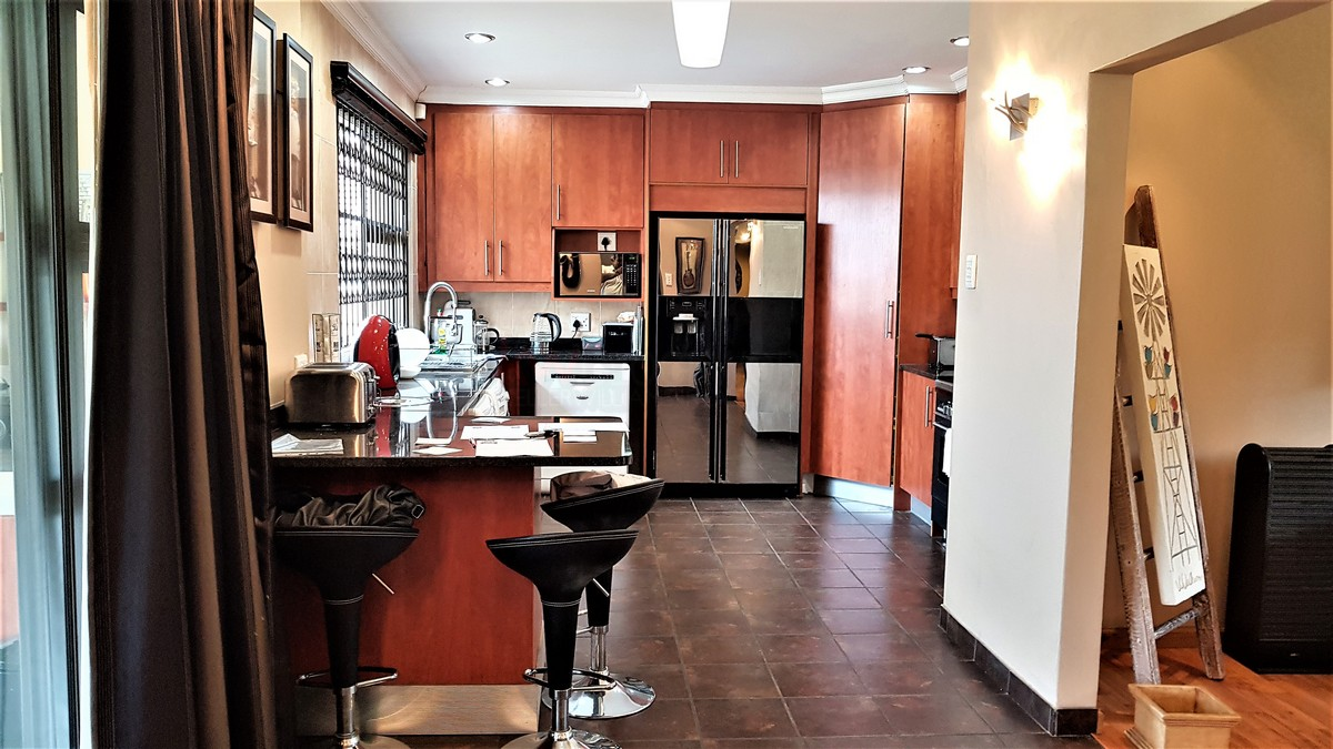 3 Bedroom House for sale in Verwoerdpark ENT0084632 : photo#3