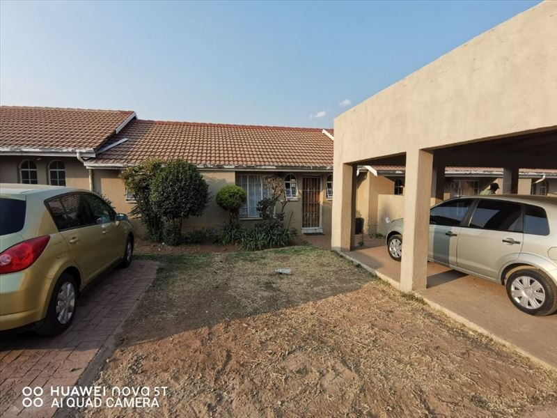 Spacious 2 beds Townhouse, Kempton Park