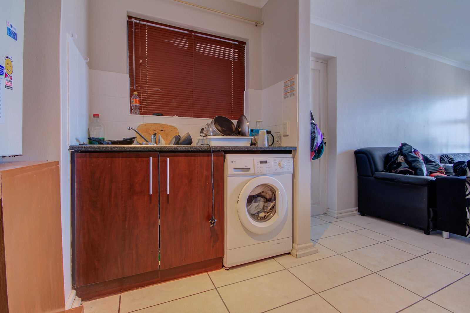 Two bedroom GROUND floor apartment with  a garage