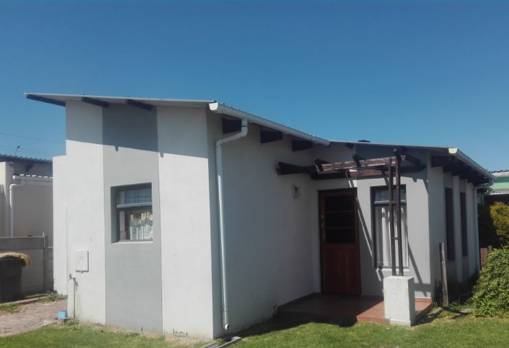 3 BedroomHouse For Sale In Newton