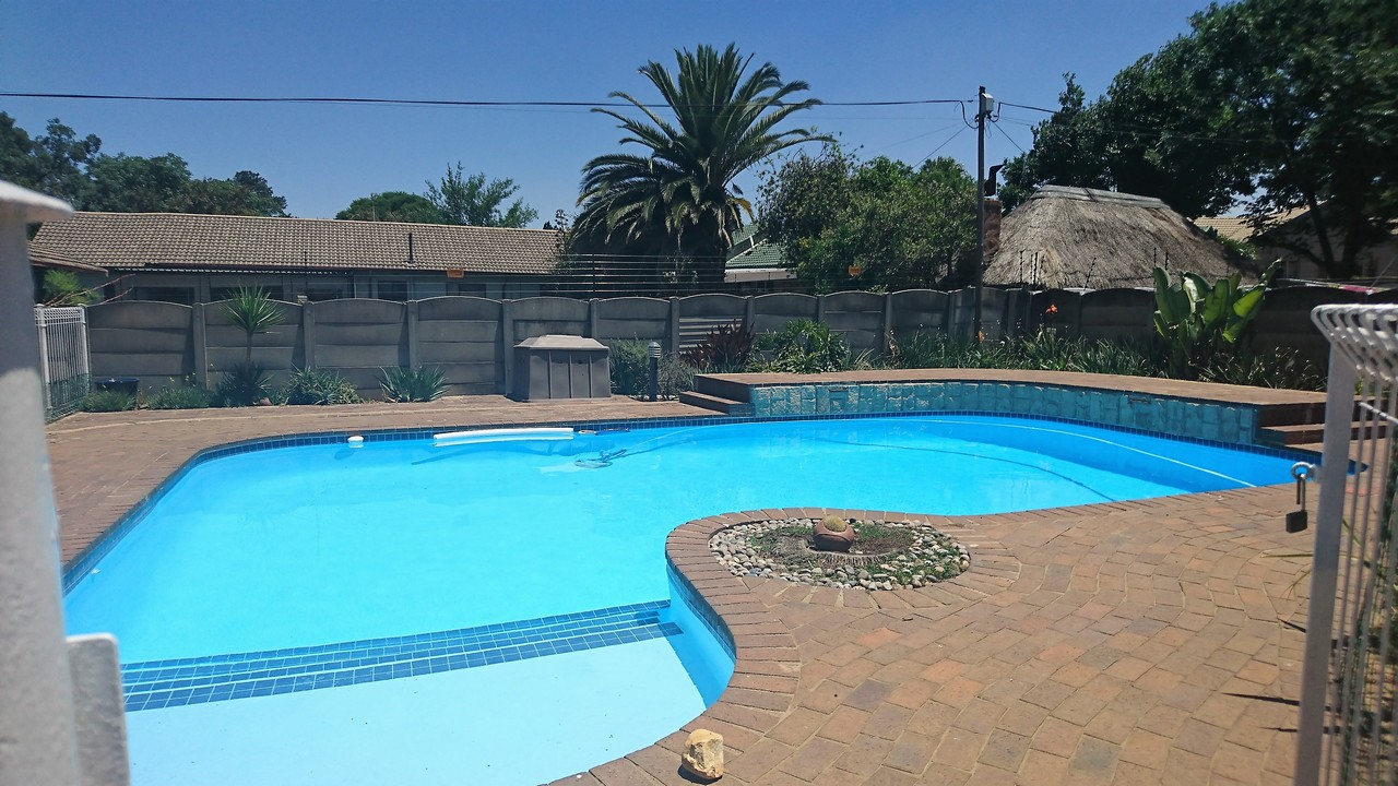 4 Bedroom House for sale in Brackendowns ENT0077760 : photo#22