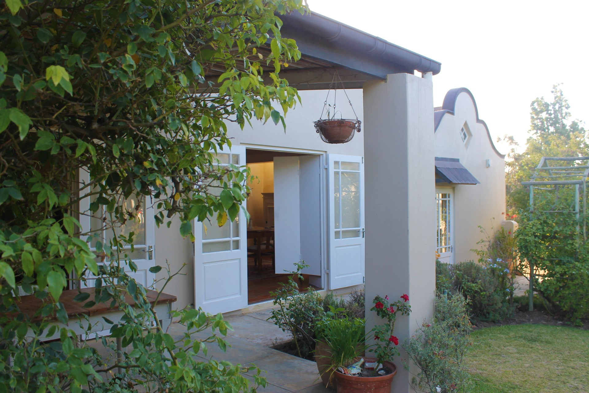 3 BedroomHouse Pending Sale In Stanford