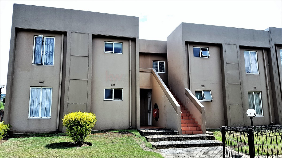 2 BedroomTownhouse For Sale In Mulbarton