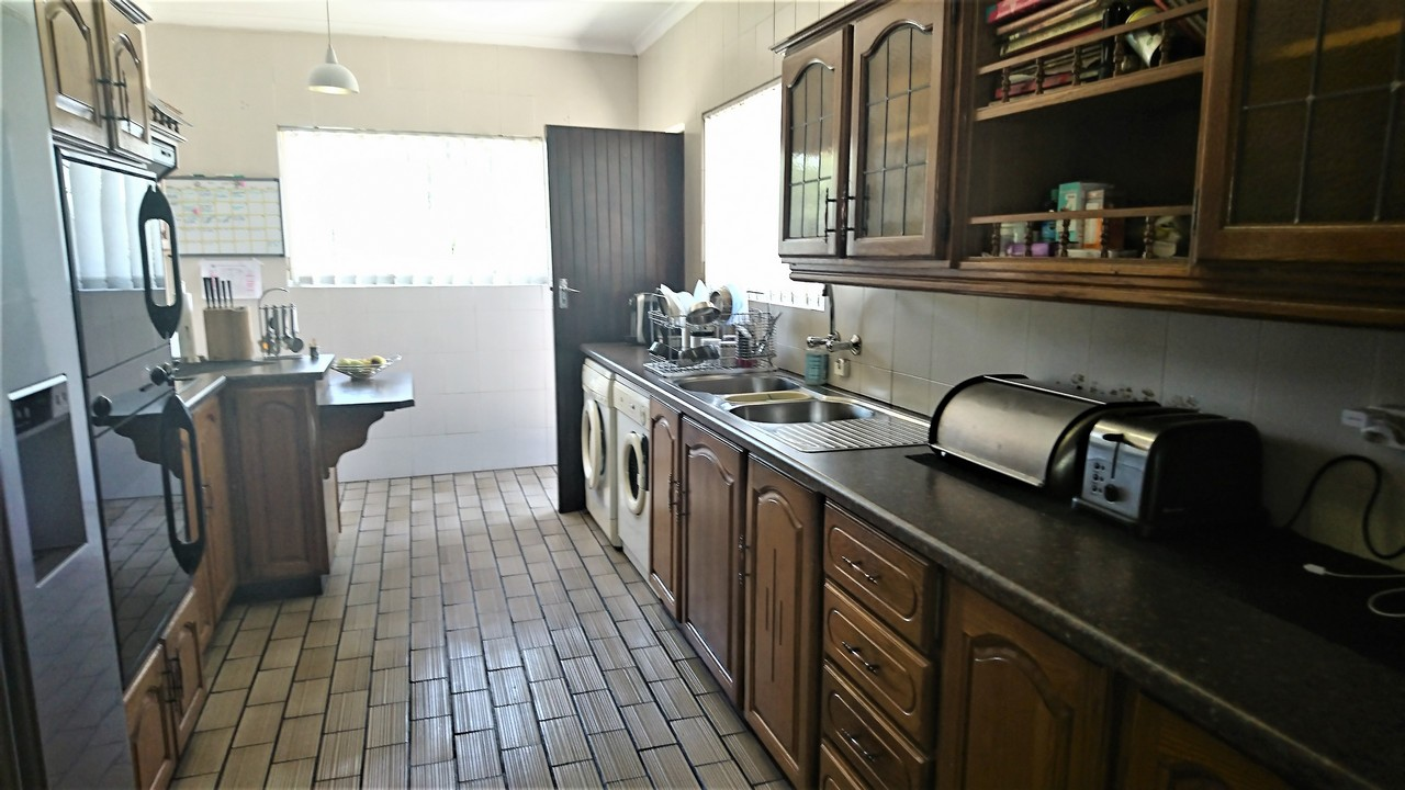 4 Bedroom House for sale in Brackendowns ENT0077760 : photo#6