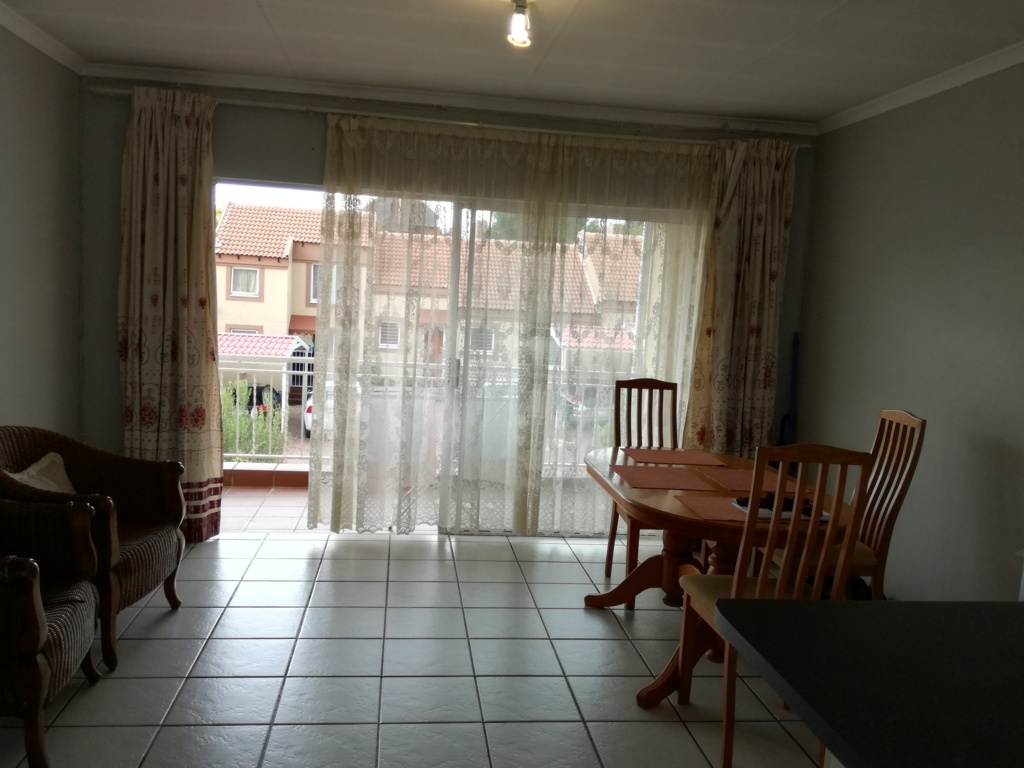 2 Bedroom Townhouse for sale in Sunninghill ENT0084557 : photo#10