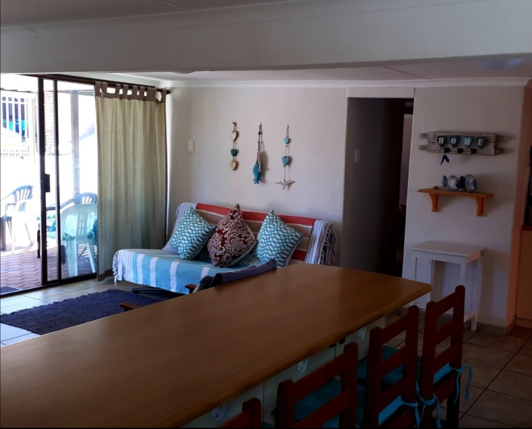 House For Sale in Hartenbos Central