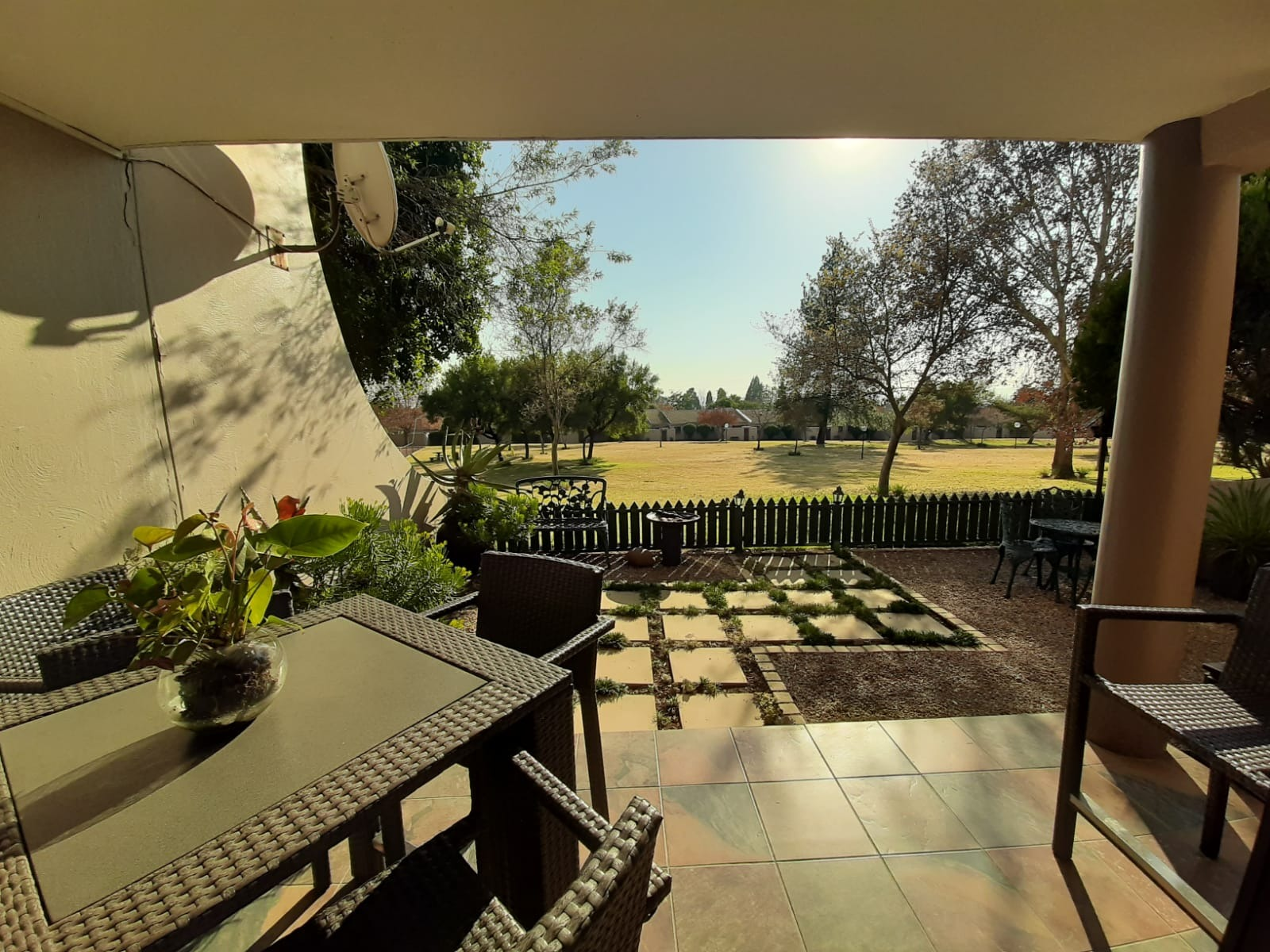 Attractive Two bedroom apartment in Security Estate in Lonehill