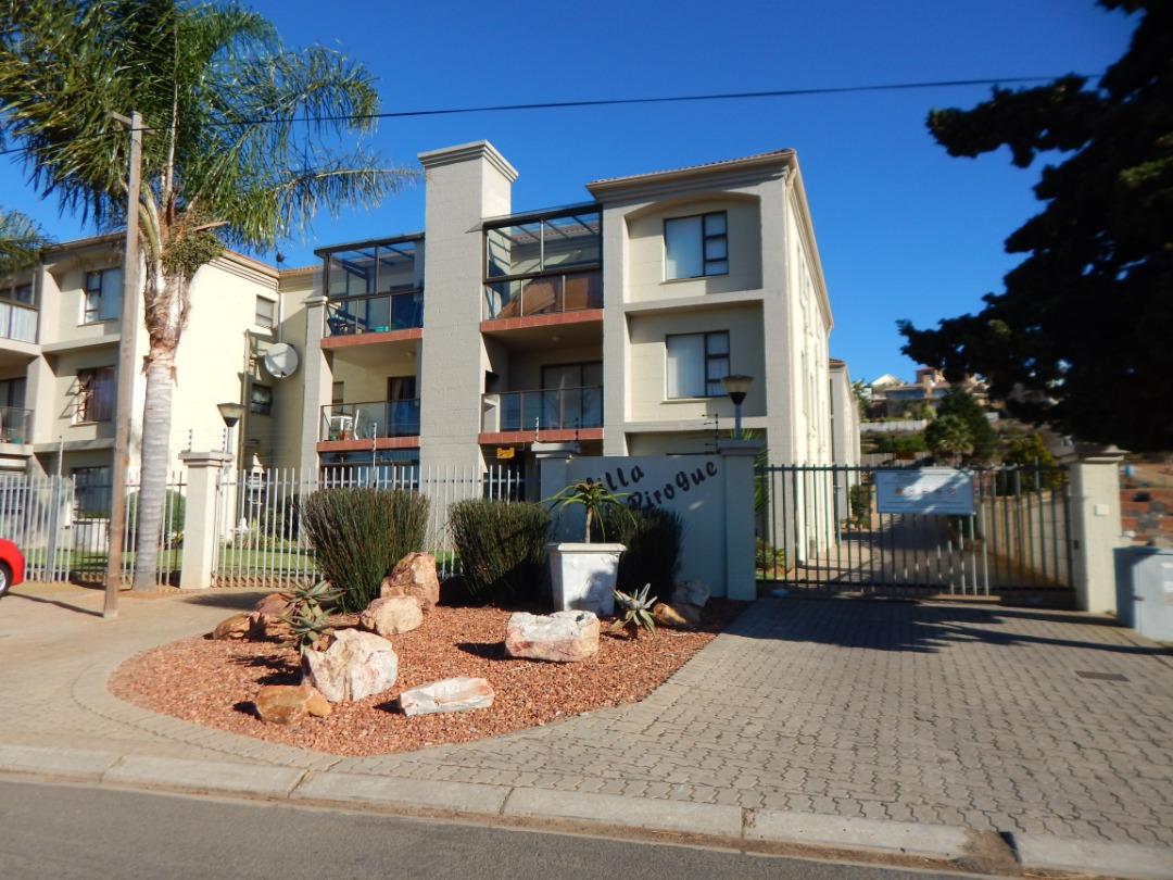 Neat 2 bedroom apartment in Hartenbos on the Garden Route now up for sale.