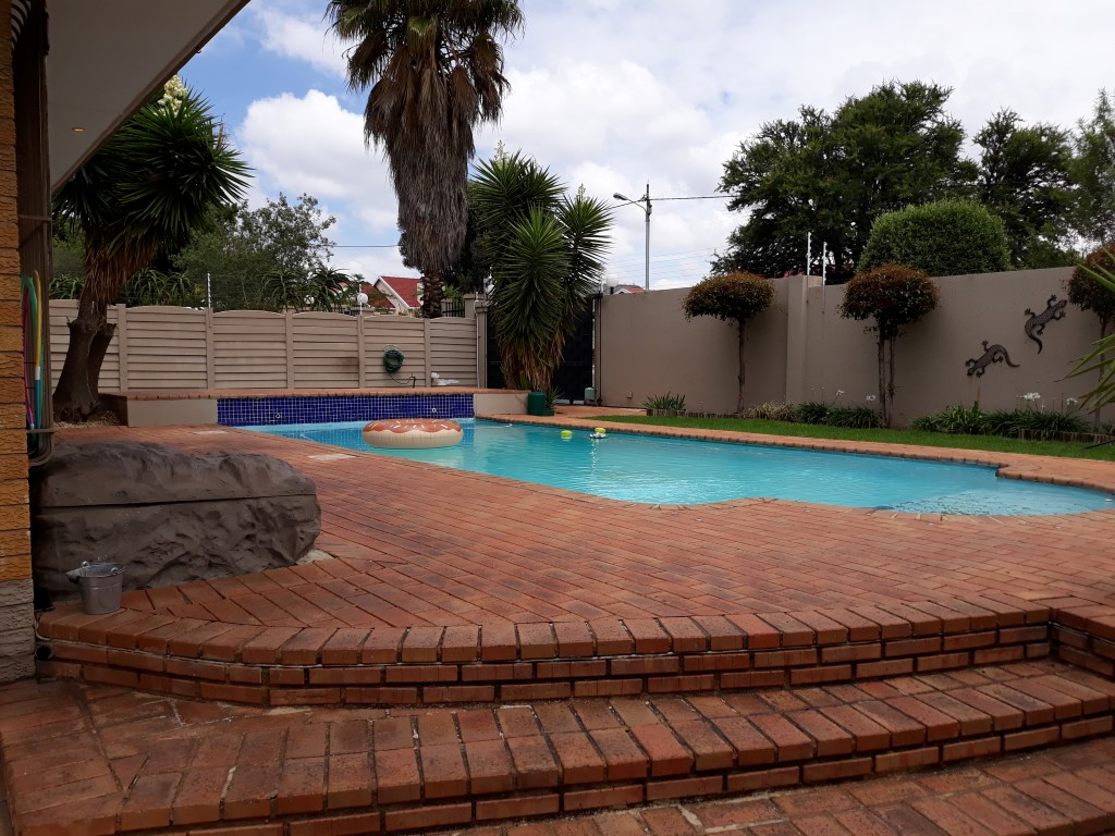 3 Bedroom House for sale in South Crest ENT0080475 : photo#18