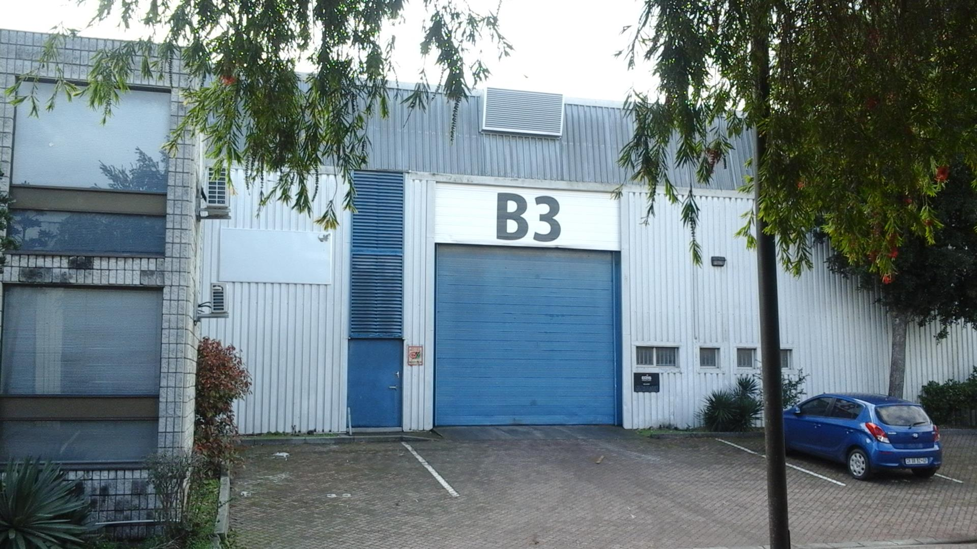 461 m2 STORAGE (factory with toilet - no offices) Sacks Circle Industrial Bellville @ R 50 /m2 = R 23 050 per month + VAT