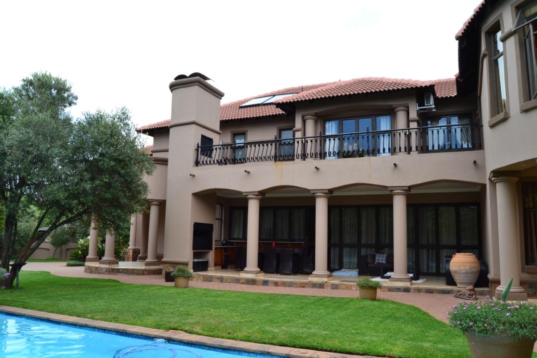 Exquisite Mansion in Midstream Estate
