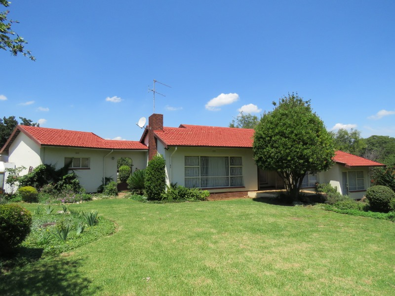 3 BedroomHouse For Sale In Illiondale