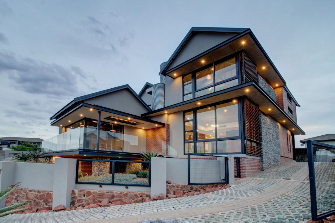 Brand new modern home with breath taking views of The Hills game reserve