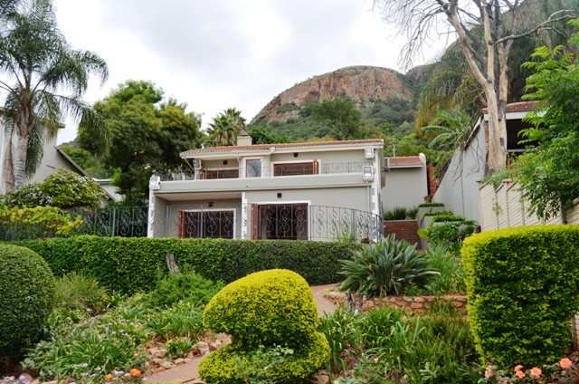2 BedroomHouse For Sale In Kosmos