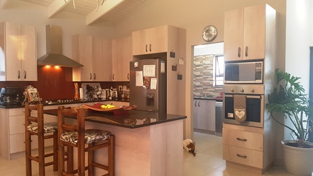4 BedroomHouse For Sale In Sunset Estate