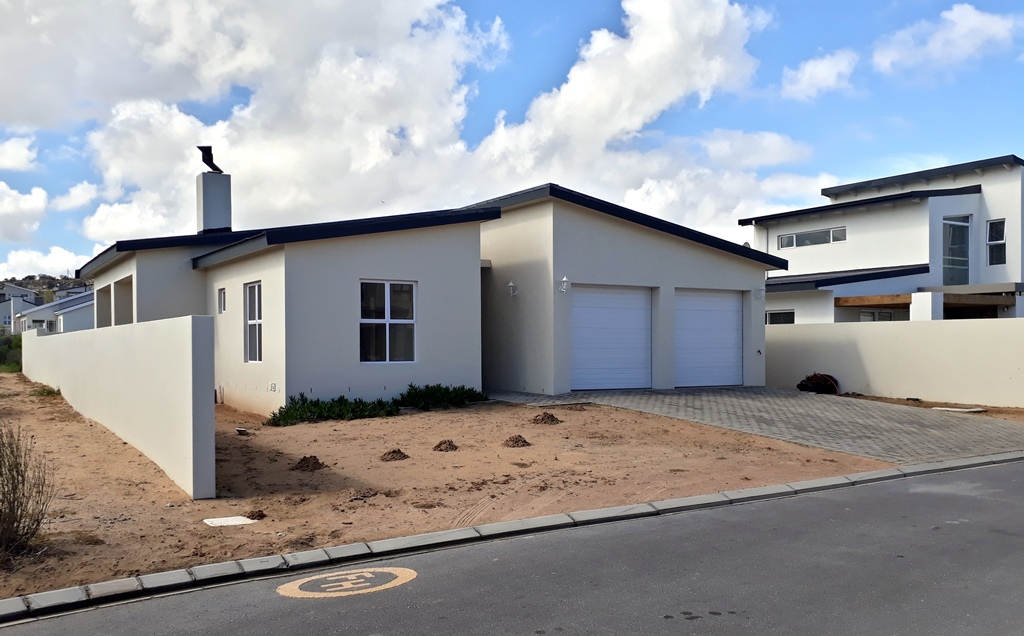 3 BedroomHouse For Sale In Sunset Estate