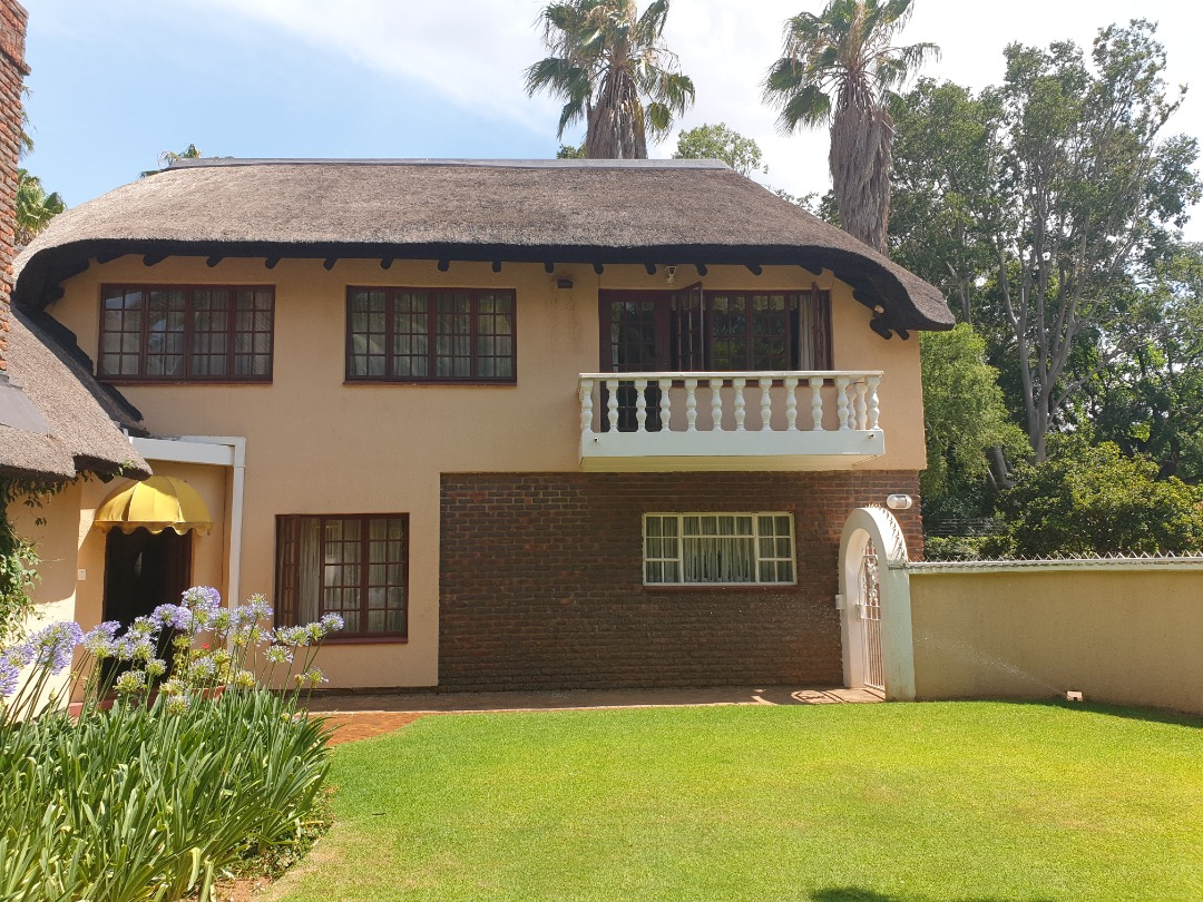 Lovely double storey thatch 3 bedroom house