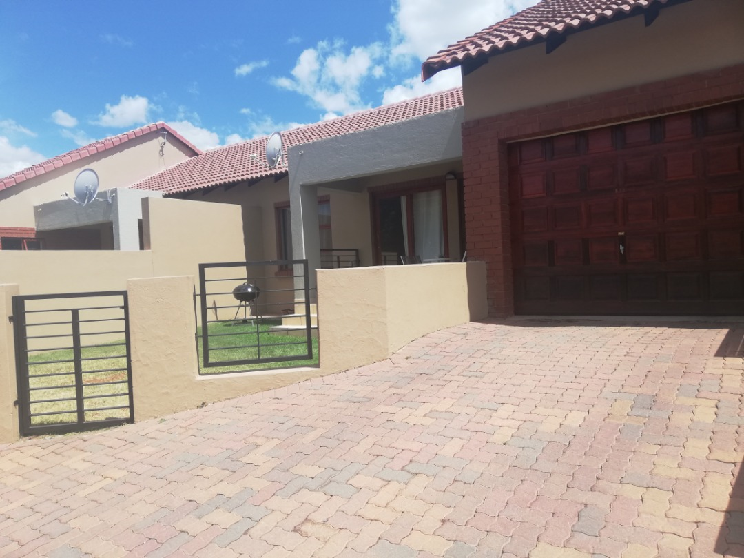 Townhouse for Sale at Fairview
