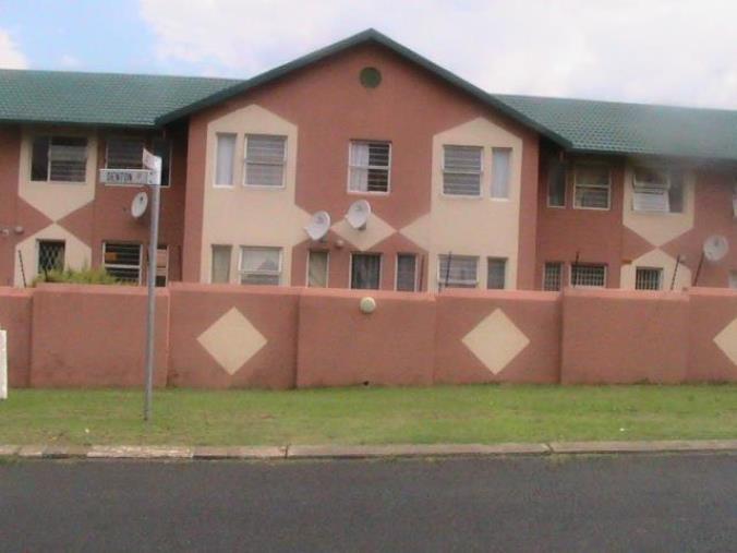 2 Bedroom Townhouse for sale in Ridgeway ENT0069469 : photo#1