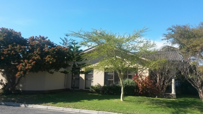 Neat home in sought after area