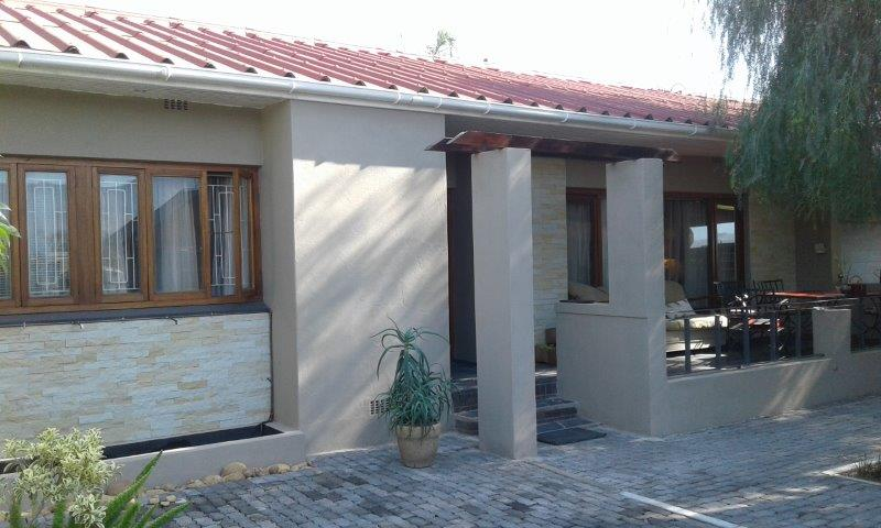 5 Bedroom house with beautiful views Good income investment