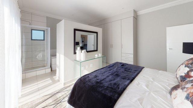 385-Cork-Ave-Security-Development-in-Ferndale-for-sale-By-ANTON-TROMP-KW-Clockwork-Bedroom.jpeg