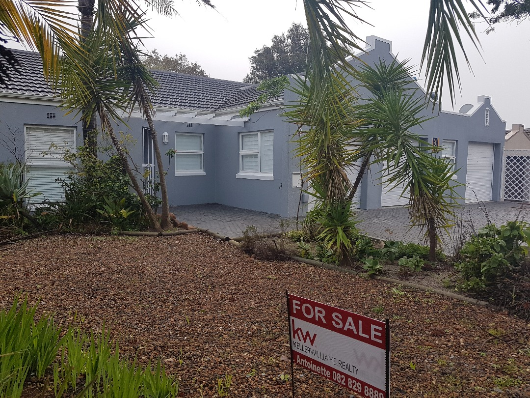 Newly Renovated Home in Central Durbanville
