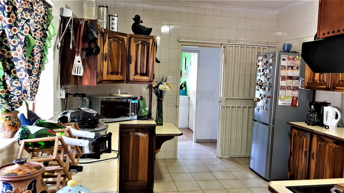 3 Bedroom House for sale in Verwoerdpark ENT0086373 : photo#15