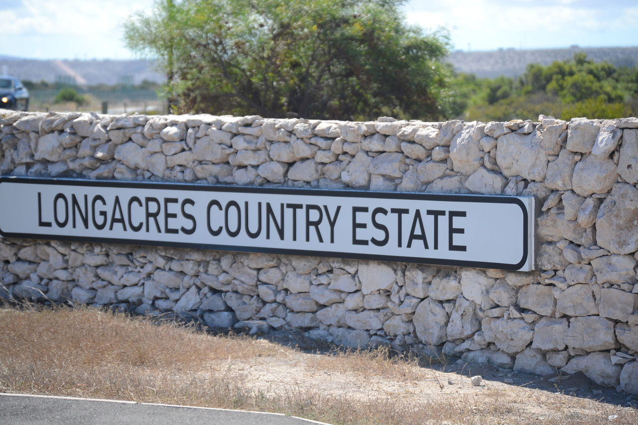 Vacant Land For Sale in Long Acres Estate