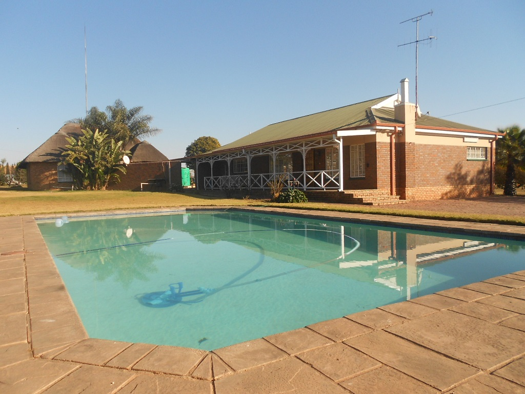 4 BedroomHouse For Sale In Cullinan