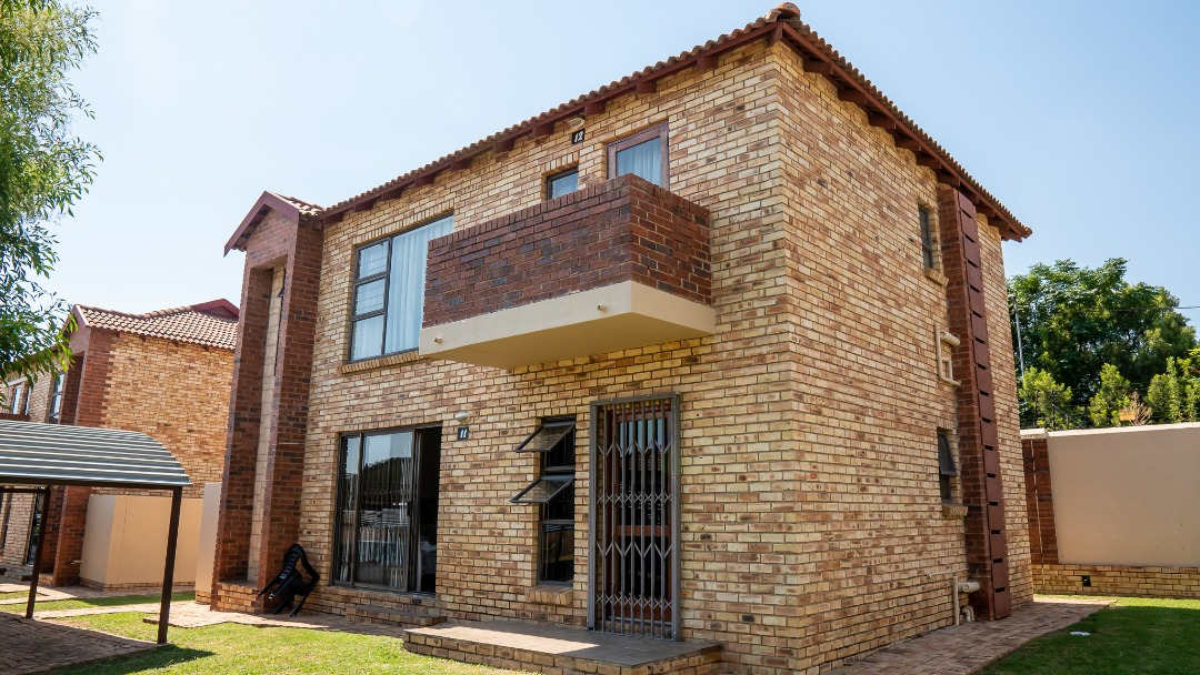 Apartment for sale in sought after complex
