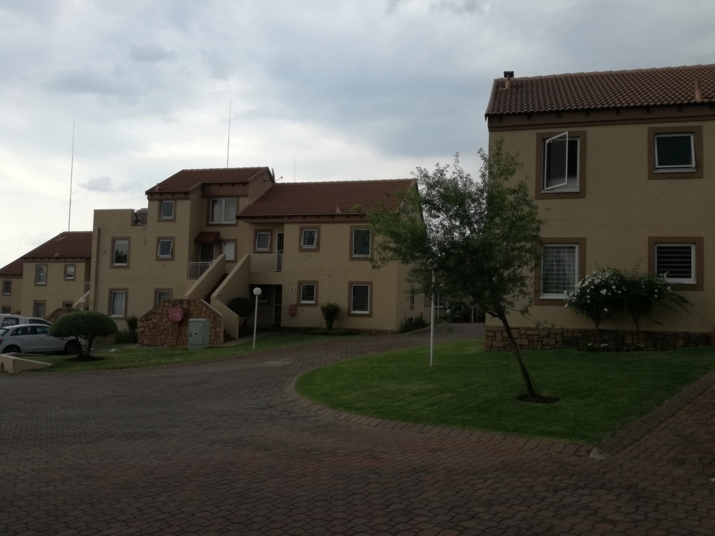 2 Bedroom Townhouse for sale in Sunninghill ENT0084557 : photo#3