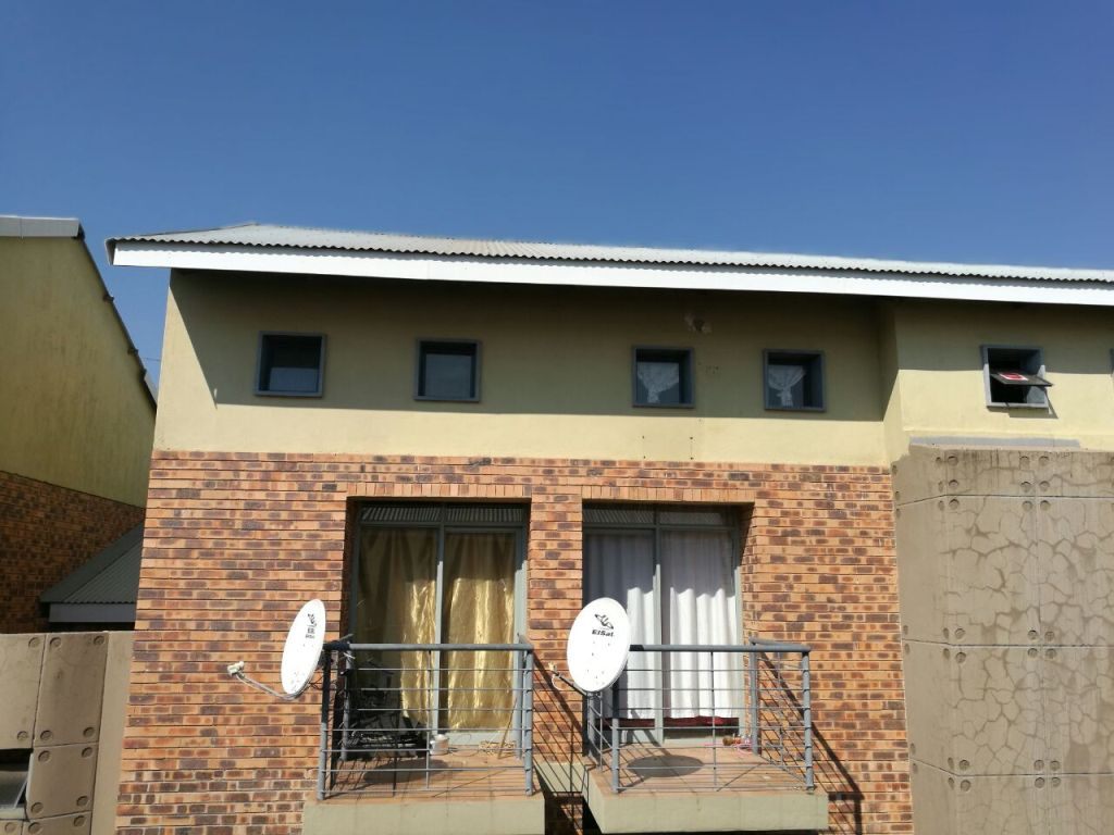 1 BedroomApartment For Sale In Dassie Rand