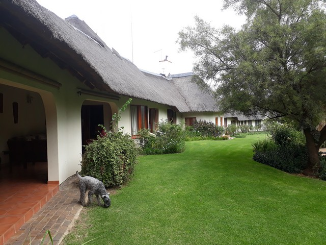Beautiful Guest house inn the fast developing Crowthorne suburb of Midrand