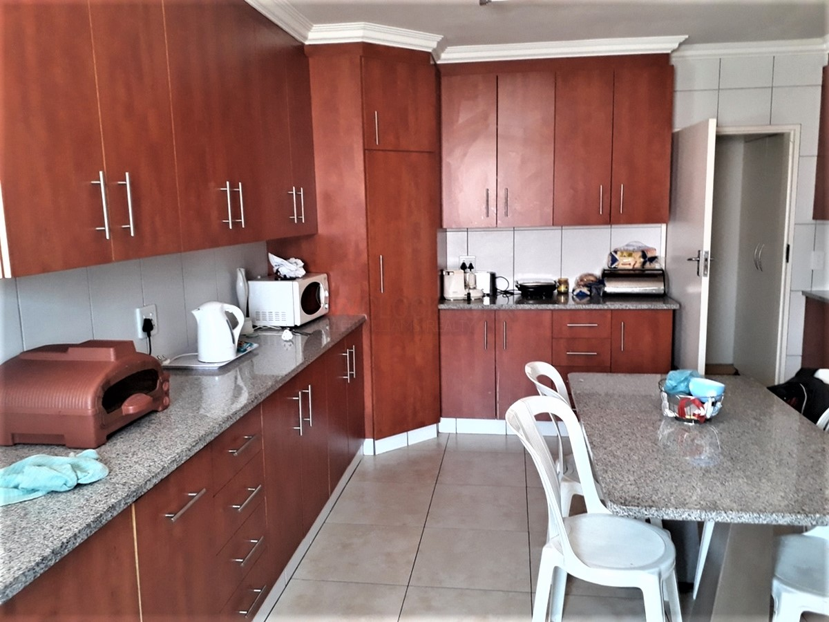 4 Bedroom House for sale in South Crest ENT0077921 : photo#16