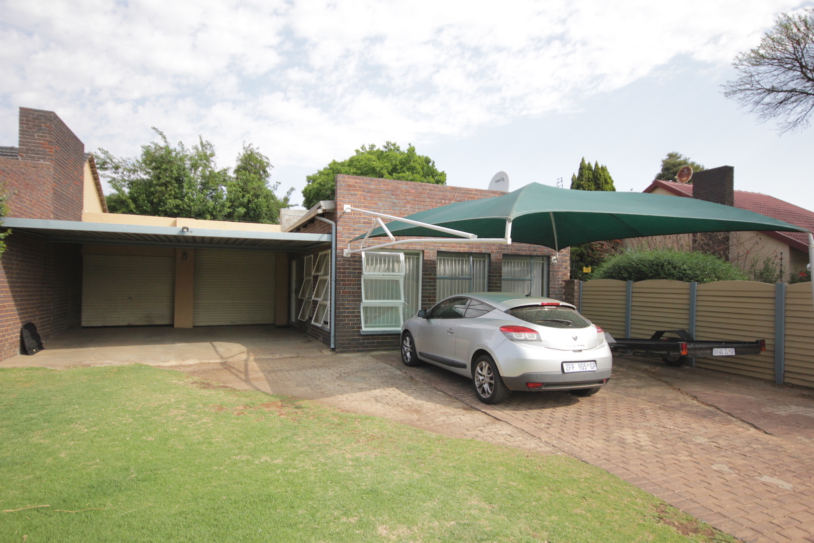 1 BedroomHouse For Sale In Brackenhurst