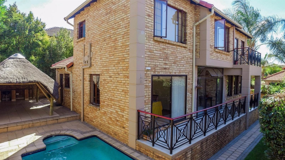 3 BedroomCluster For Sale In Fourways