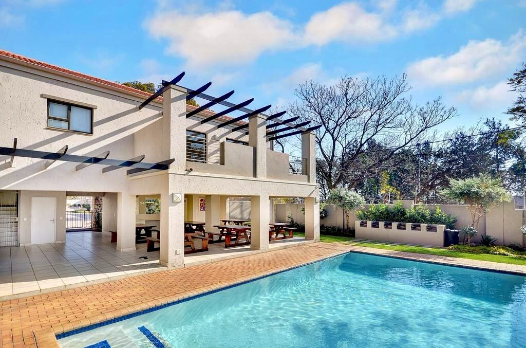2 BedroomApartment For Sale In Bryanston Ext 1